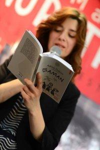 "Adina Dabija citind din ""Șaman"""