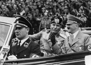 Erich Kempka la volanul mașinii lui Hitler