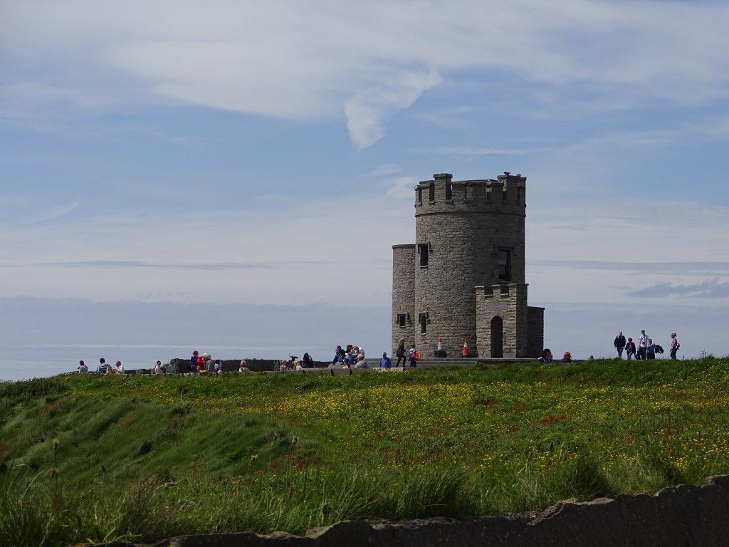 castel langa stancile Moher pe coasta de vest a Irlandei