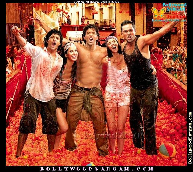 Zindagi_Na_Milegi_Dobara_Movie_BollywoodSargam_smiling_369549